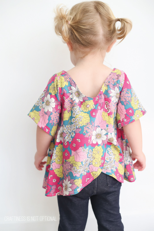 glass onion floral top \\ craftiness is not optional