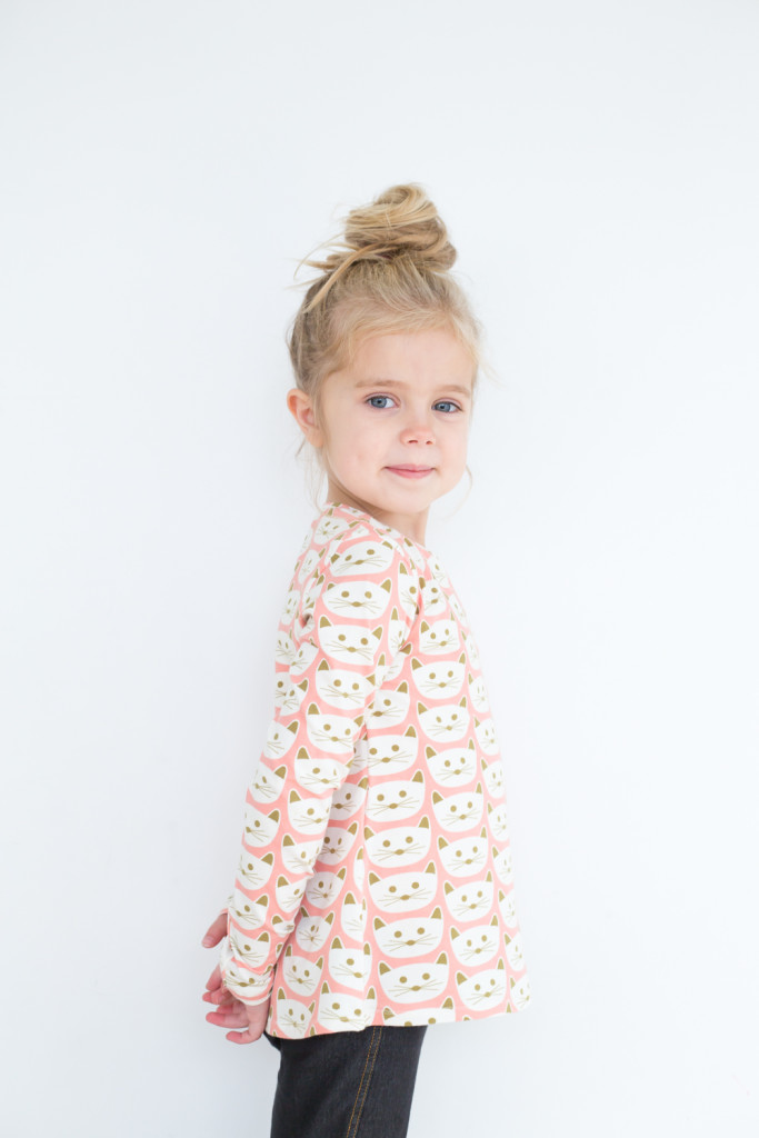BLUSH kitty Nessie top